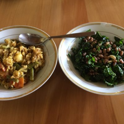 20 Dec Lunch - Steamed vegetable biryani, green salad with cooked beans and sesame seeds, olive oil, black salt. Breakfast was dosa of sprouted moong and brown rice with coconut chutney.